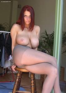 http://img66.imagetwist.com/th/14583/ha6lzho7egqf.jpg