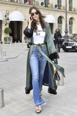 Emily Ratajkowski - Candids in Jeans out in Paris 3