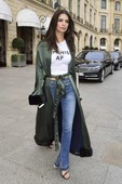 Emily Ratajkowski - Candids in Jeans out in Paris 6