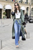 Emily Ratajkowski - Candids in Jeans out in Paris 8