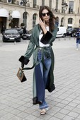 Emily Ratajkowski - Candids in Jeans out in Paris 16