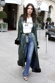 Emily Ratajkowski - Candids in Jeans out in Paris 7