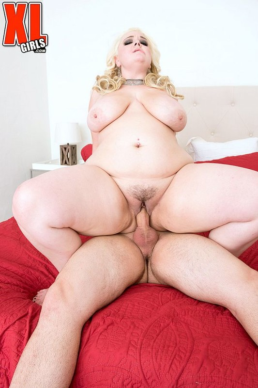Lucy Lenore – First XXX enjoys having sex – XLgirls  FullHD 1080p