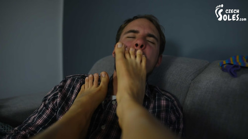 Young and smelly feet dominate poor man