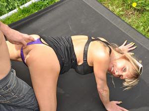 http://img66.imagetwist.com/th/15154/d476rsaarv3e.jpg