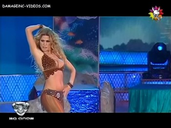 Flavia Palmiero hot dance