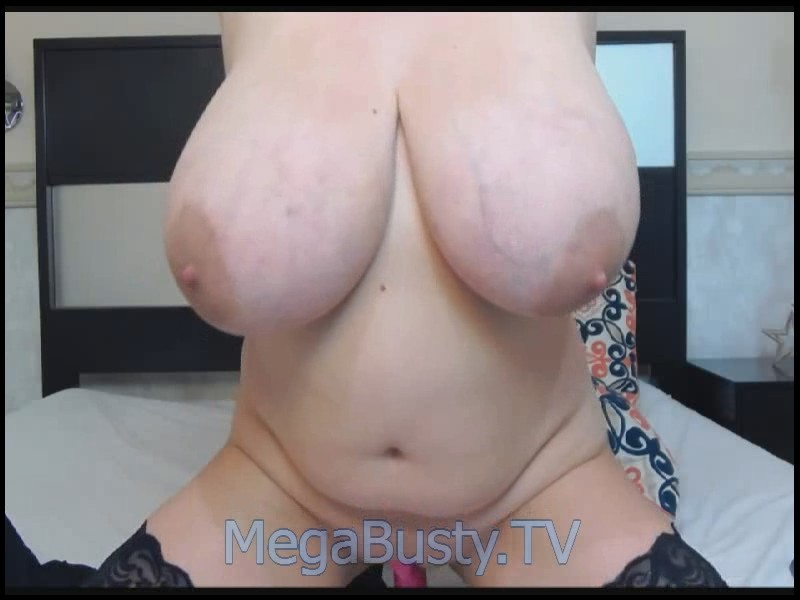 Tiffany Mynx – Massive Boobs Webcam Video May 28, 2017