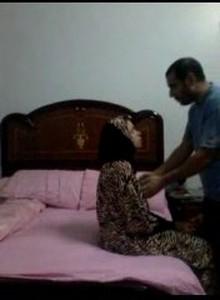 سكس مصرى محجبات  الواد يقنعة ينيكة على السرير وهى ترفض
