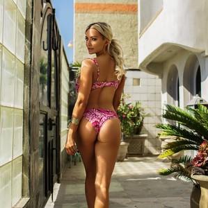 pandesia-mix-171012-Lindsey-Pelas hot bikini ass