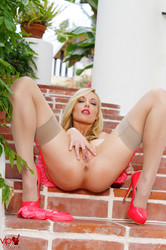 Kayden Kross - Pink And Ivy