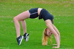 Khloe-Acrobatics-In-Public--z6qobuvyia.jpg
