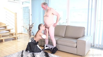 Lita Phoenix – Sexy Maid Cleans Her Old Master's Cock With Her Sweet Mouth [2160p]