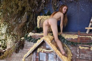 Marika - Fun On Roof